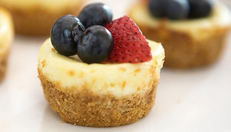 Mini 4th of July Cheesecake Bites