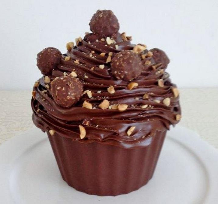 Ferrero Rocher Giant Cupcake