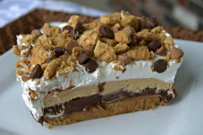 Peanut Butter And Chocolate Dream Bars
