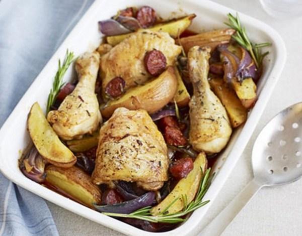 Chicken & chorizo Traybake