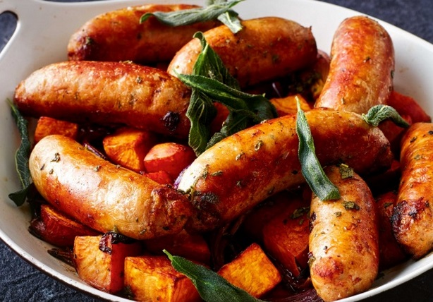 Top 10 Filling Summer Traybake Meals