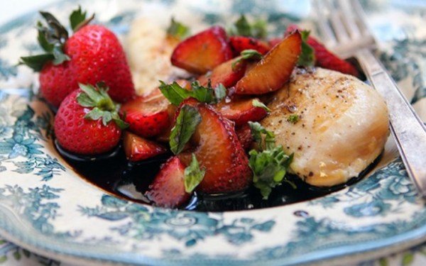 Simple Strawberry Chicken With Basil