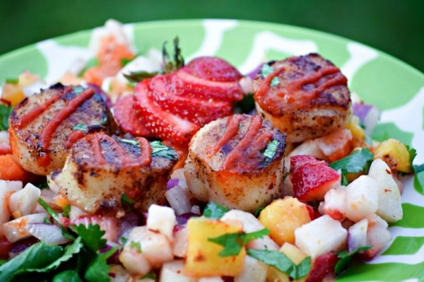 Scallops with Strawberries and a Confetti Salad