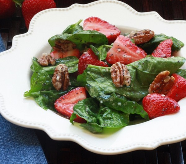 Poppy Seed Dressing With a Strawberry Spinach Salad