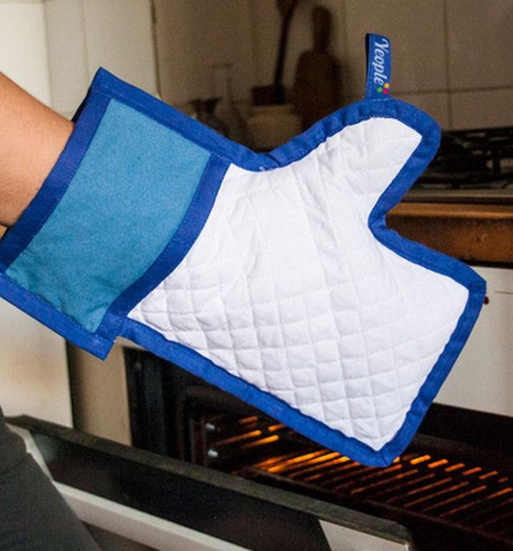 "Facebook ""like"" Oven Mitt"