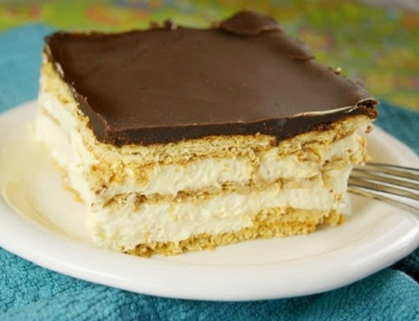 No-Bake Chocolate Eclair Dessert Tray