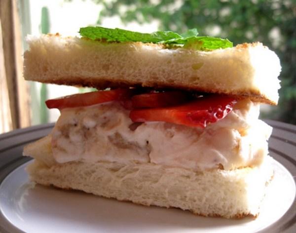 Strawberry Cheesecake Sandwich