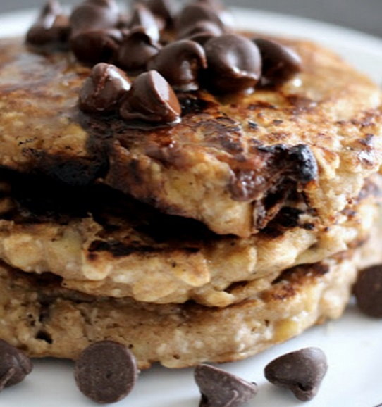 Banana & Chocolate Chips Oat Pancakes