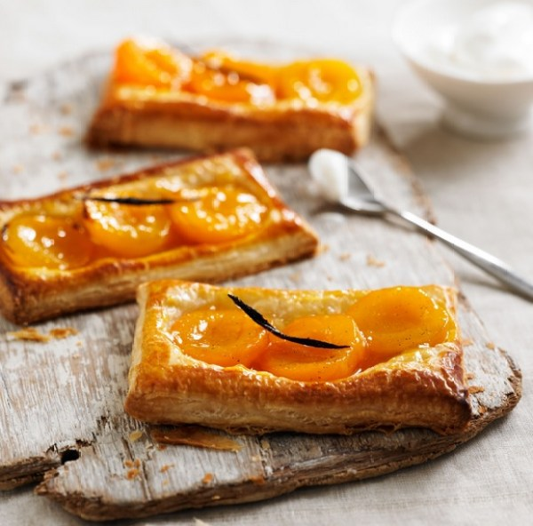 Apricot and Vanilla Tartlets