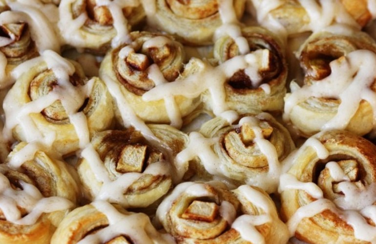 Apple Dumpling Cinnamon Rolls