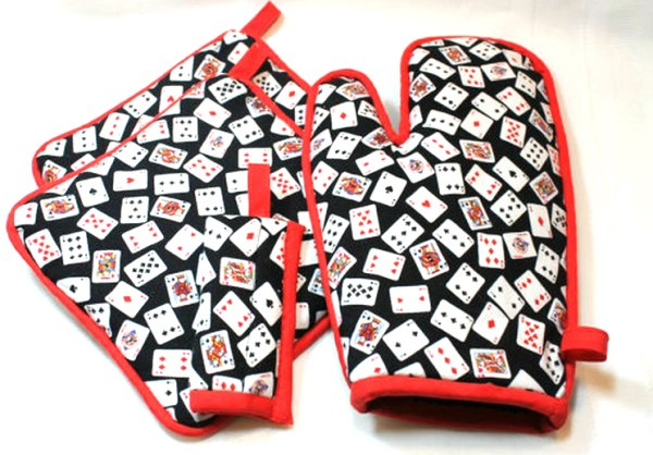 Playing Card Pot Holder/Oven Mitt Set