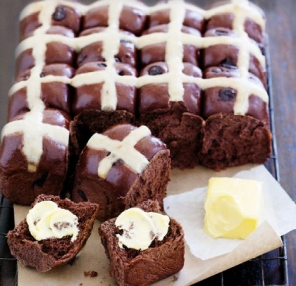 Choc-Chip Hot Cross Buns