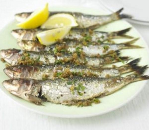Sardines with crisp paprika crumbs