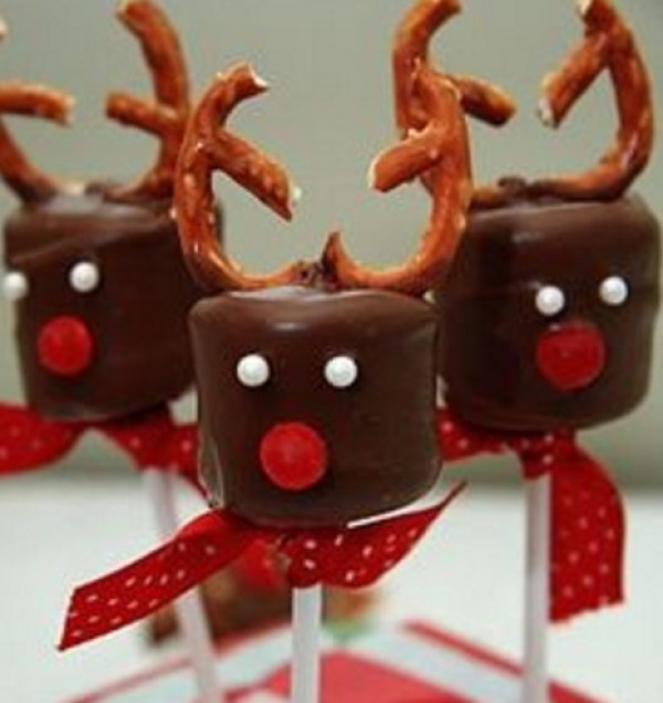 Chocolate Covered Marshmallow Pretzel Reindeers
