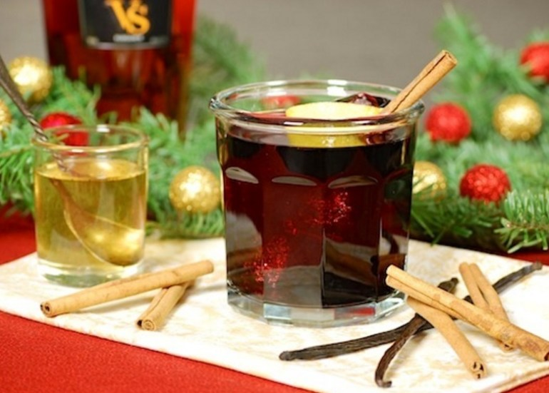Holiday-Spiced Red Wine Cocktail