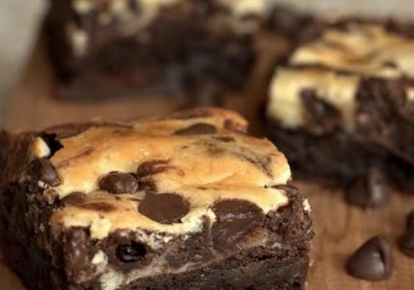 Classic Cream Cheese Swirl Brownies