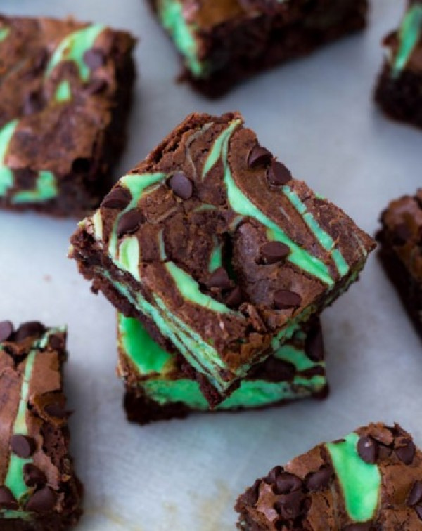 Mint Chocolate Chip Cream Cheese Brownies