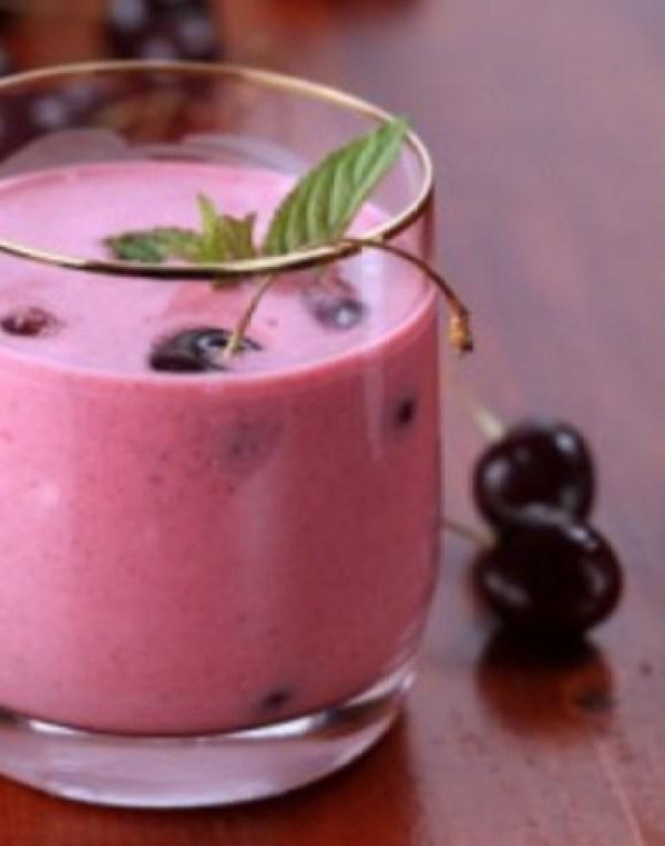 Chocolate & Cherry Yogurt Smoothie