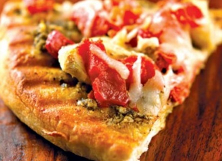 Fresh Pesto-Tomato Pizza