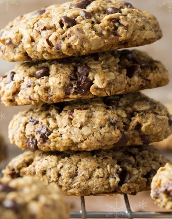Pecans, Chocolate, and Medjool Oatmeal Cookies