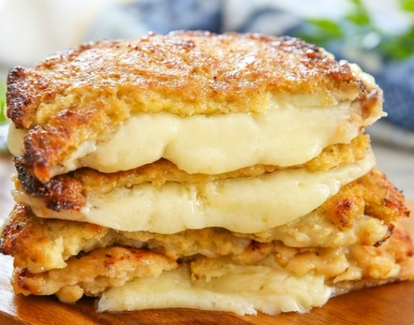 Cauliflower Crusted Grilled Cheese Sandwich