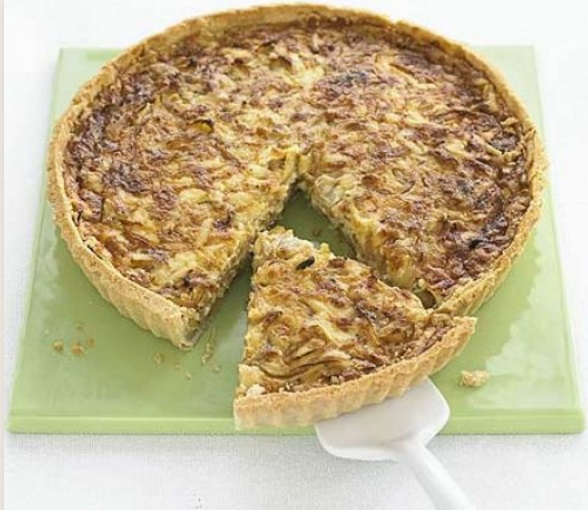 Sticky Onion & Cheddar Quiche