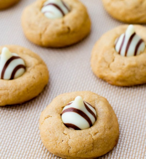 Chocolate Tear Peanut Butter Cookies