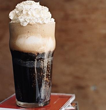 Root Beer & Vanilla Ice Cream Float