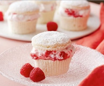 Raspberries in Cream Cupcakes