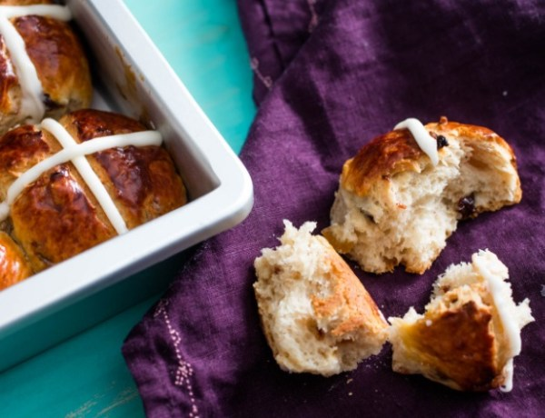 Spiced Vanilla Hot Cross Buns