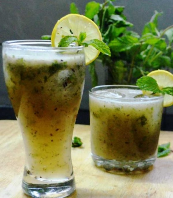 Tangy Raw Mango and Mint Drink