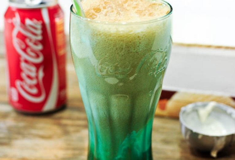 Classic Coke Float