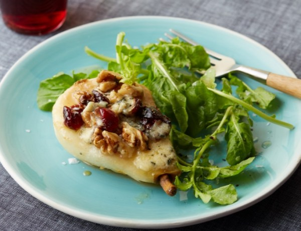 Roasted Pears with Mouldy Cheese
