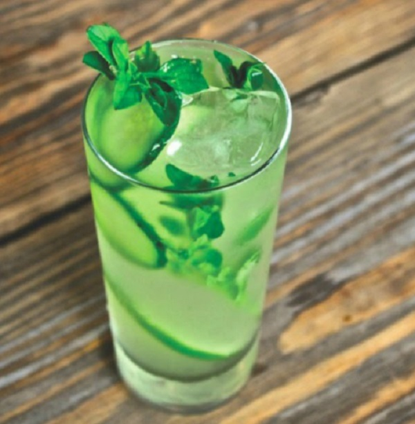 Cucumber Mint Leaves Detox Drink