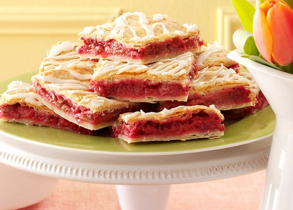 Raspberry-Rhubarb Slab Pie