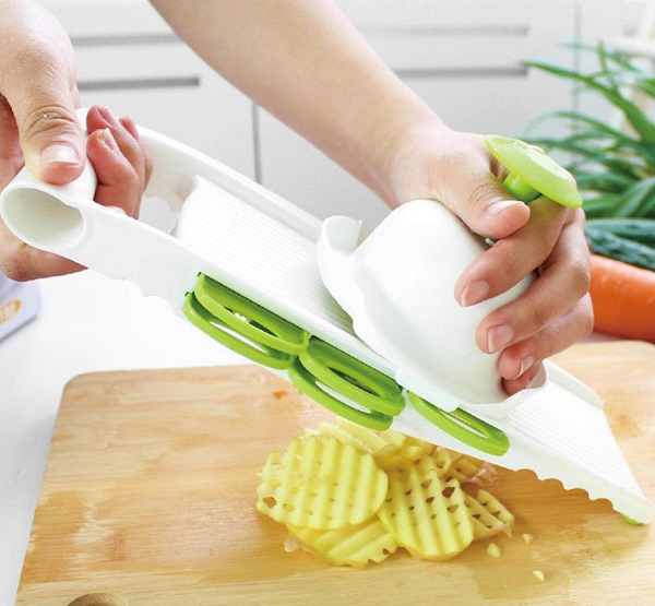 5 Blade Handheld Mandoline Style Vegetable Cutter