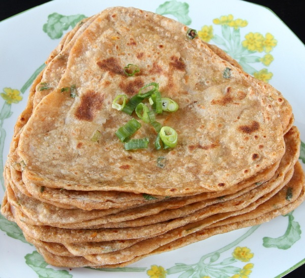 Spring Onion Masala Paratha