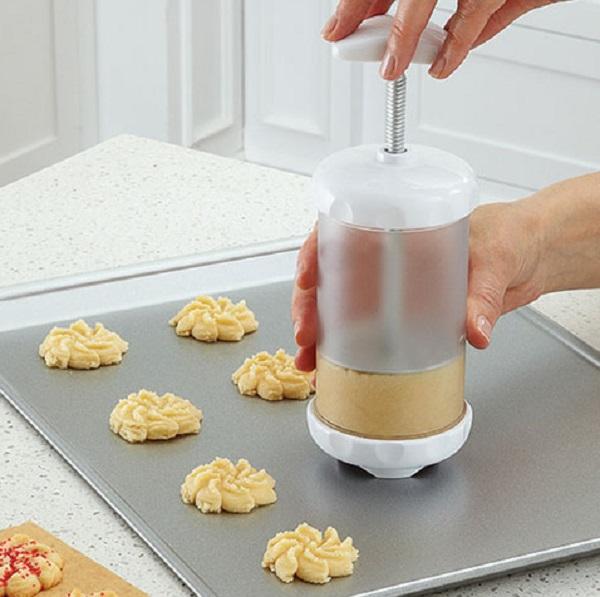 Spritz Spiral Cookie Maker