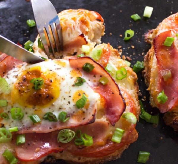 Ham, Tomato Mozzarella Pizza Toast