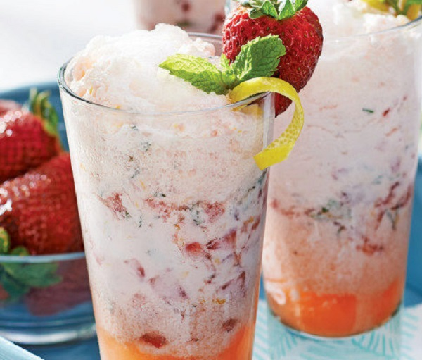 Lemonade & Strawberry Floats