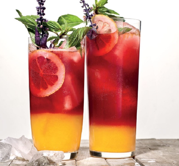 Layered Blackberry-and-Turmeric Lemonade