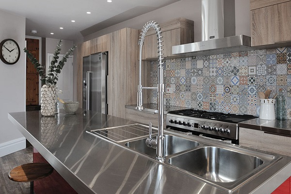 Kitchen Worktops Made With Stainless Steel