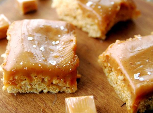 Salted Caramel Rice Krispies Treats