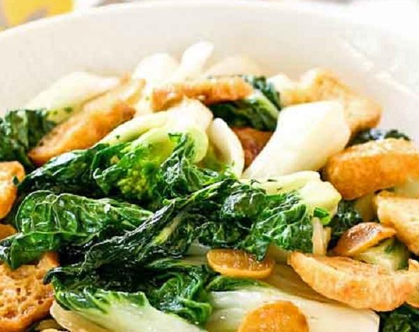 Stir Fry Bok Choy with Deep Fried Tofu