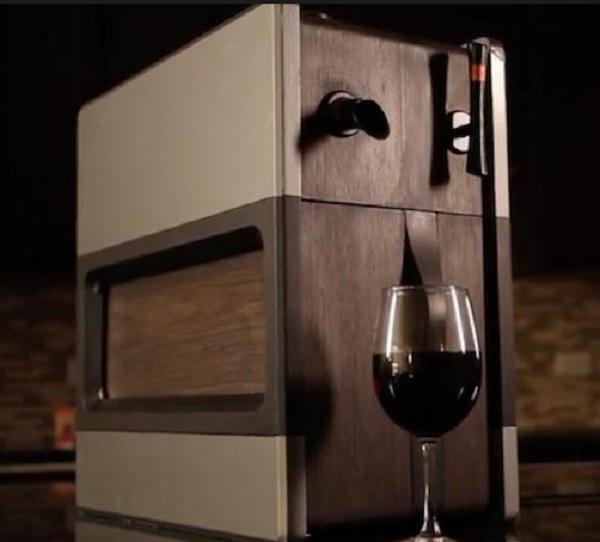 Synek's Smart Wine Dispenser