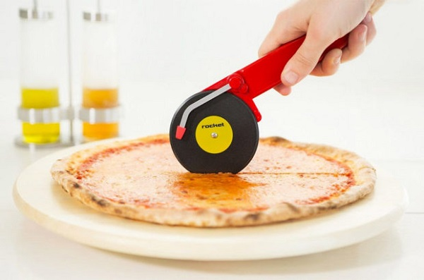 Rocket Turntable Pizza Cutter