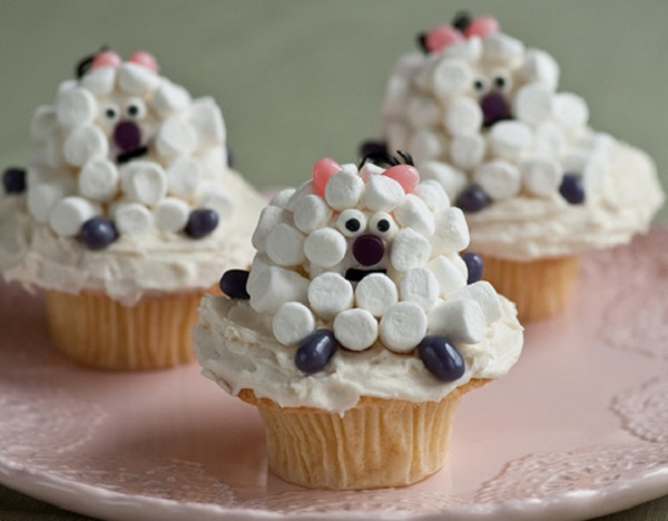 Mini Marshmallow Lamb Cupcakes