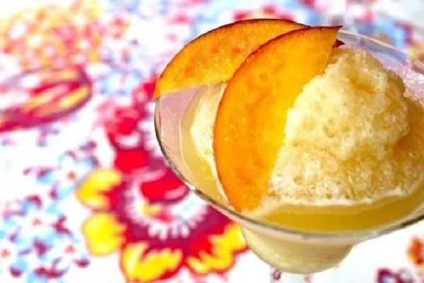 Summer Peach Daiquiri Cocktail