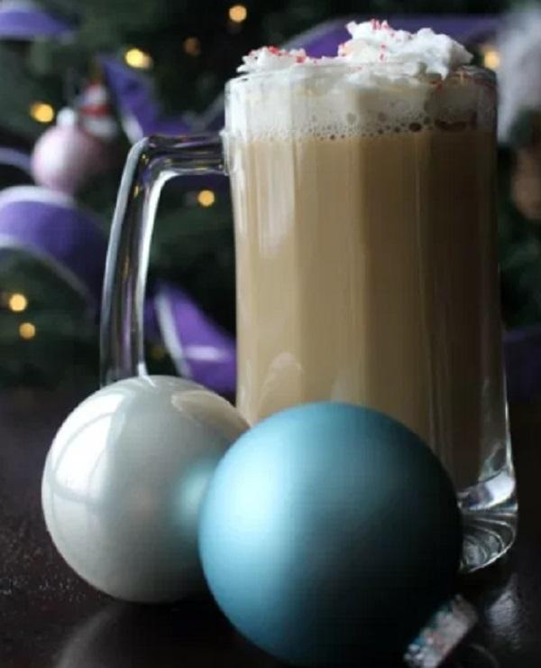 Mistletoe Mocha Holiday Drink