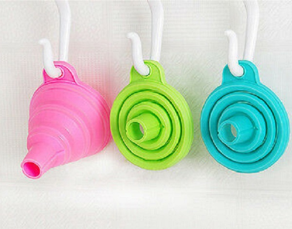 Folding Food-Grade Silicone Funnels